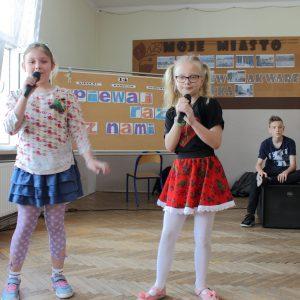 Martyna Grabowska i Amelia Kluza
