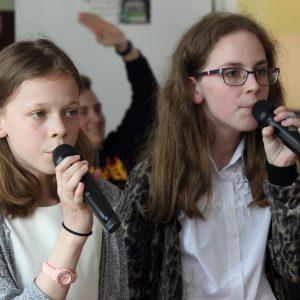 Zuzanna Lach i Łucja Dubiel kl. VI a